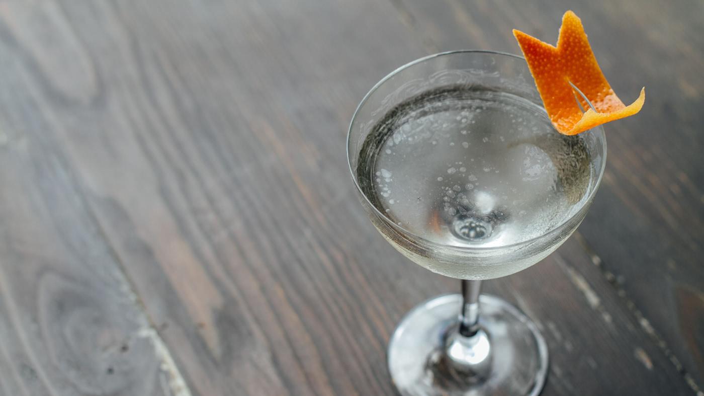 Amargo y Blanca Cocktail